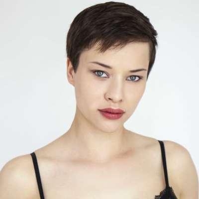 Anna-Lea B.